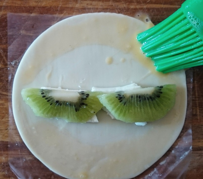 Empanadillas de kiwi y queso