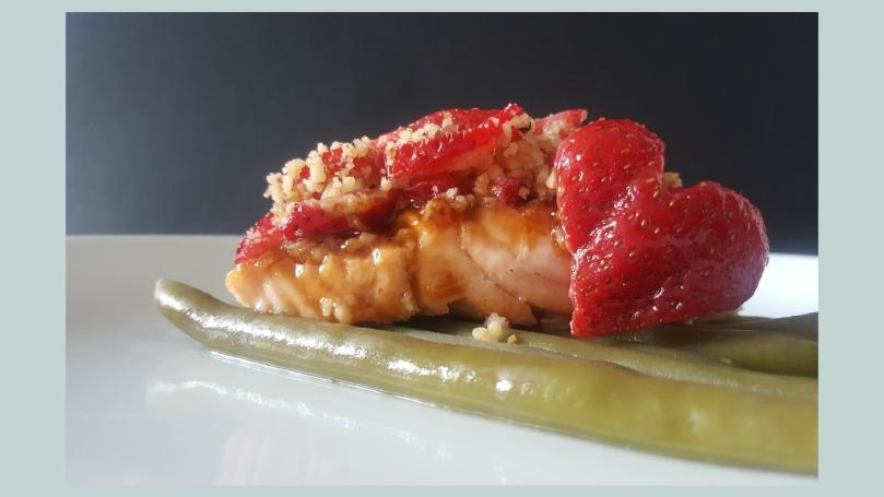 salmón con crujiente de fresas (3)
